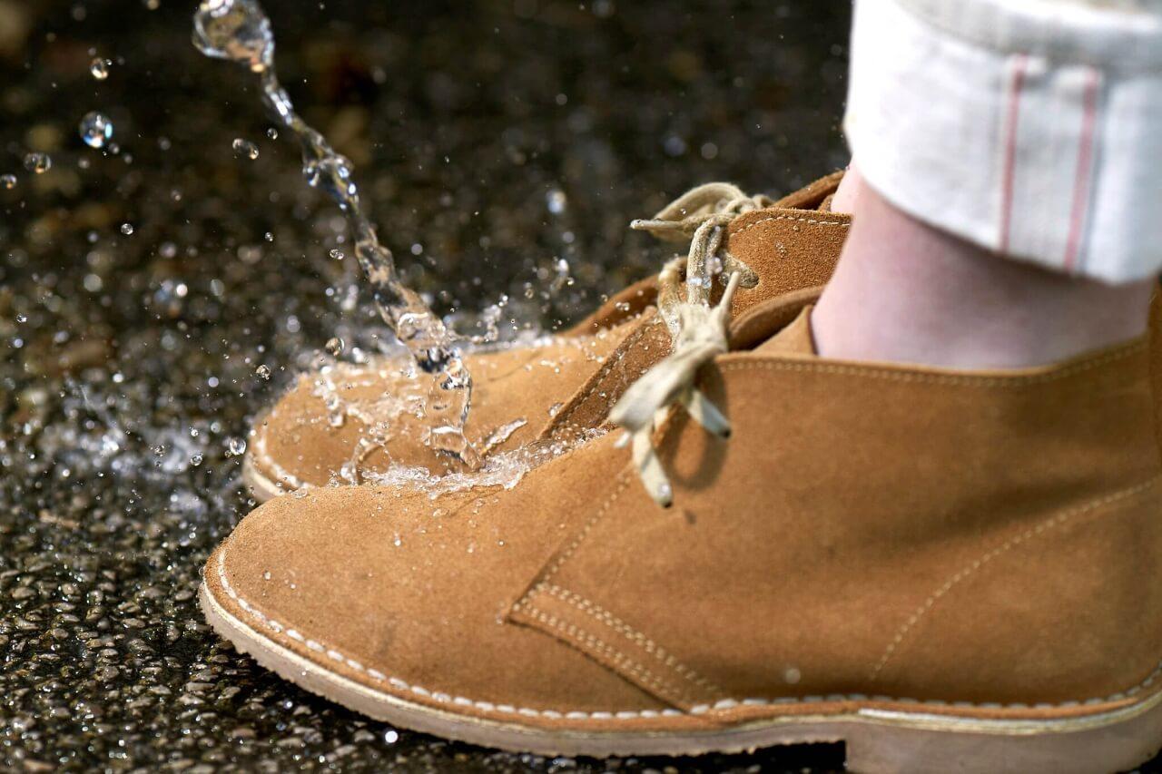 Как защитить замшевую обувь от промокания