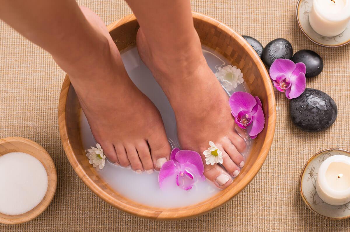 Ванночки для ног при варикозе с эфирными маслами и травами